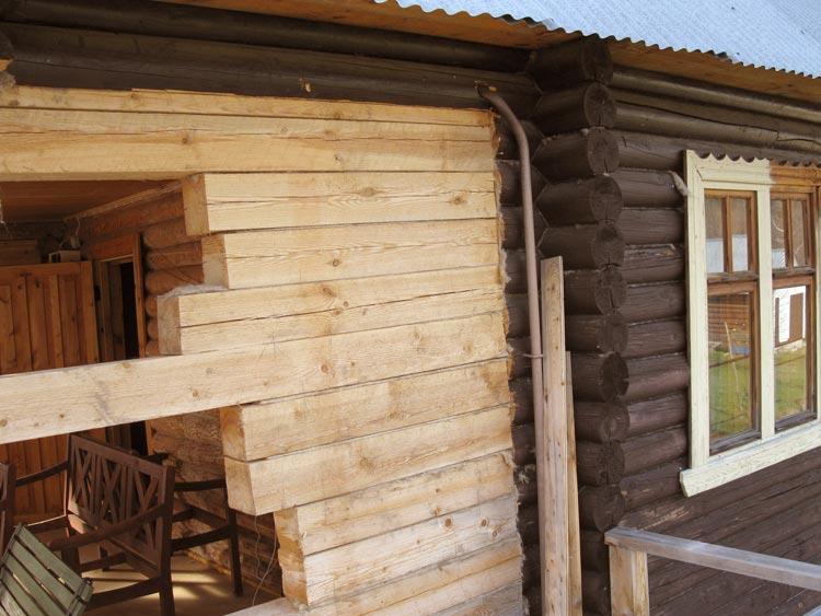Процесс реконструкции деревянного дома