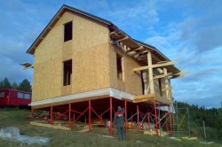 Дом на свайях